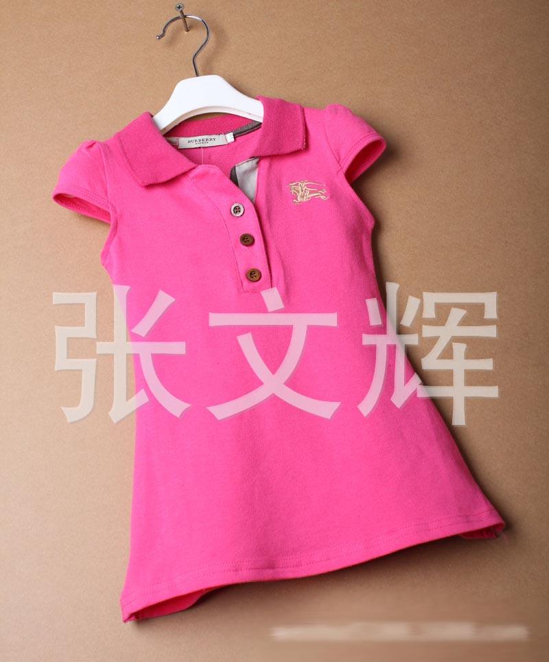 Burberry เดรสผ้ายืดสีชมพูบานเย็น ปักโลโก้ที่อก แนวสปอร์ต ผ้าดี น่ารัก แบบเก๋ๆ ใส่ได้อินเทรนด์ตลอดค่ะ size 12, 14, 16, 18, 20 (1-5 ปี)