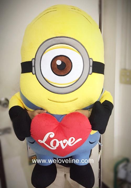 ตุ๊กตามินเนี่ยนถือหัวใจ Minion Despicable Me ขนาดใหญ่ 36 นิ้ว (หนึ่งตา) ลิขสิทธิ์แท้