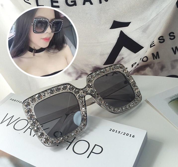แว่นกันแดดแฟชั่น Oversize Transparent Gray 5702 53-25 140 <เทา>