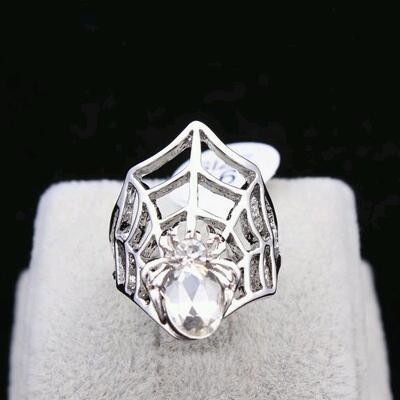 Silver Spider Ring แหวนแฟชั่นโลหะสีเงินรูปแมงมุมแต่งคริสตัล