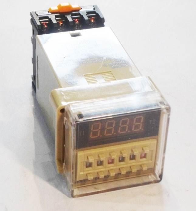 เครื่องตั้งเวลาสลับเปิด-ปิด 220VAC ( 0.1 วินาที - 99 ชั่วโมง ) ยี่ห้อ Berme รุ่น DH48S-S