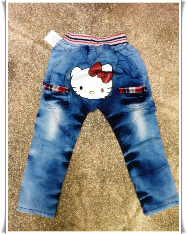 กางเกงยีนส์ขายาว ก้นสกรีนหน้าคิตตี้ กระเป๋าต่อผ้าลายสก๊อต น่ารักมากๆค่ะ size 5, 7, 9, 11, 13