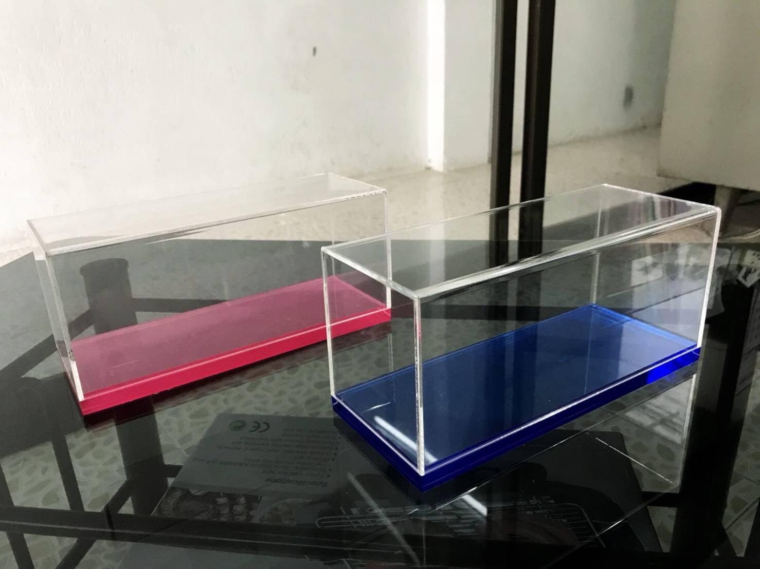 กล่องโมเดล มีสี น้ำเงิน/ชมพู อย่างละ10 กล่อง ขนาด10x25x10cm ฟรีส่ง จำนวนจำกัด