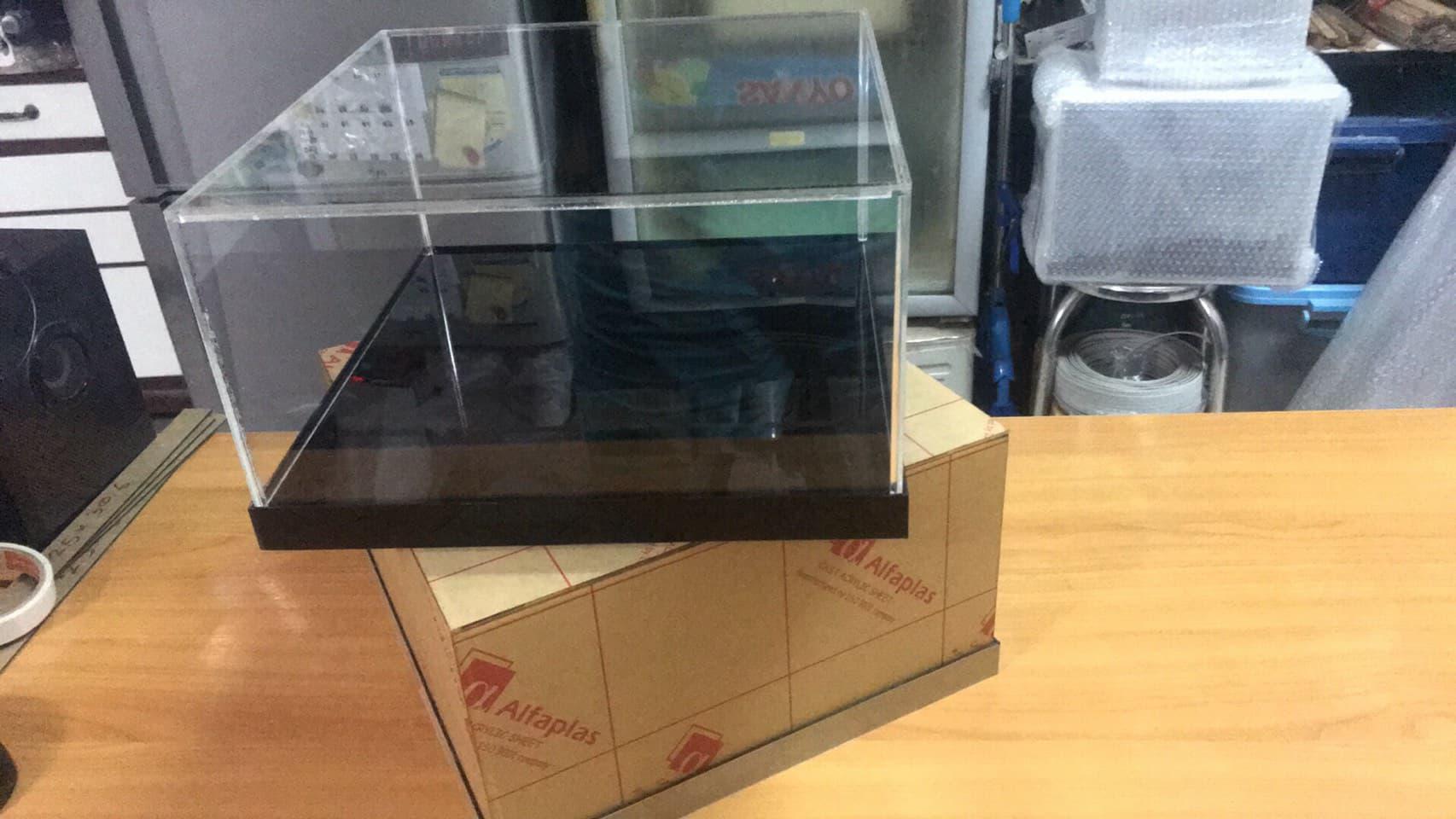 45x45x25 cm. หนา 3mm กล่องโชว์ แนวนอน (สั่งผลิต 10-20 วัน)