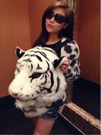 เป้แฟชั่นหน้าเสือ - เสือขาว