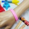 [สินค้าขายดี]สายรัดข้อมือ ริสแบนด์ เรารักในหลวง สีชมพู