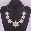 Princess White Flower Necklace สร้อยคอรูปดอกไม้แต่งหินสีขาวเจ้าหญิง ใส่ออกงานได้