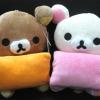 ตุ๊กตาน้องหมี Rilakkuma และ Korilakkuma ถือหมอน (ราคาต่อคู่ค่ะ)