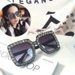 แว่นกันแดดแฟชั่น Oversize Black Gray 5702 53-25 140 <ดำ>