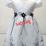 ชุดกระโปรงเด็กสีขาวแขนตุ๊กตาปักลายดอกไม้ MB391