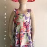 Laura Ashley ชุดกระโปรงแขนกุด แต่งแบบ ลายดอกไม้ สีหวานโทนม่วง ติดกระดุมด้านหลัง น่ารักมากๆ ค่ะ size 4, 5
