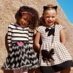 H&M (ชน shop) ชุดกระโปรงสีครีม ลายตาราง แต่งโบว์เก๋ๆ เรียบๆ ดูดีมากค่ะ size 1-2, 2-4, 8-10, 10-11