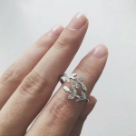 Silver Olive Leaf Open Ring (DOME Fiction) แหวนแบบเปิดรูปใบมะกอกสีเงิน ของแจกแฟนฟิคโดม
