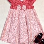 ชุดกระโปรงแนววินเทจ (Vintage) ผ้า cotton 100% สีแดง ลายดอกไม้เล็กๆ ติดโบว์ น่ารักมากค่ะ งานตัดเย็บดี ถ่ายจากของจริงจ้า (made in thailand) size 4,5,6