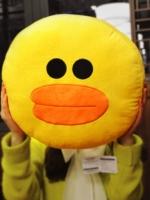 หมอนอิงไลน์ line pillow : sally ลูกเจี๊ยบ สีเหลือง