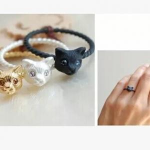 Black Cat Mini Ring แหวนรูปแมวดำตาสีฟ้าวงเล็ก