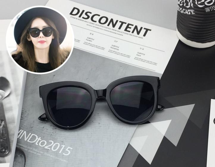 แว่นกันแดดแฟชั่น Oversize Black 314 52-22 146 <ดำ>