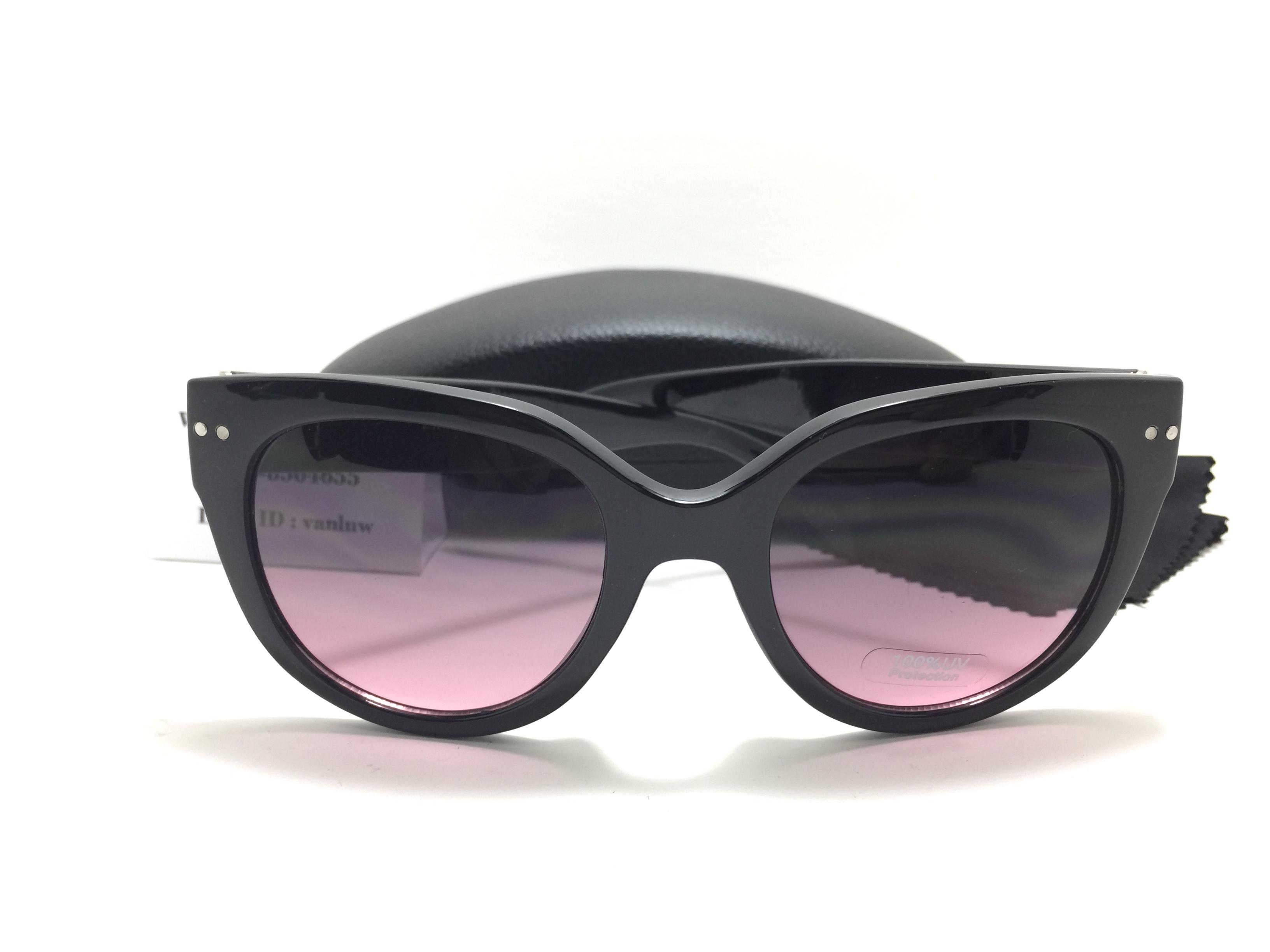 แว่นกันแดด Express Sunglasses 51-12-139 <ดำ>