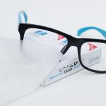 แผ่นเช็ดทำความสะอาดแว่นตาแบบเปียก ESSILOR Lens Wipes ขจัดสิ่งสกปรกได้อย่างหมดจด <1กล่อง มี 10 ชิ้น>